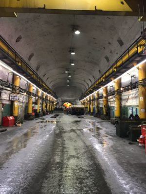 Оснащаем подземную ремонтную зону светодиодными лентами x-Glo