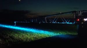 Подсветка и освещение штанг с/х опрыскивателей. Светодиодные фары с синим светом Scorpius 400 Blue и Vela Blue от NORDIC LIGHTS®